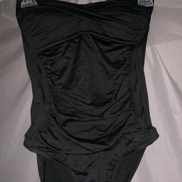 Liz Claiborne Other - Black onepiece bating suit